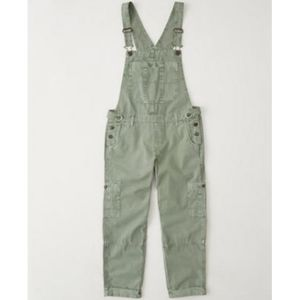 Abercrombie & Fitch Cropped Twill Overalls